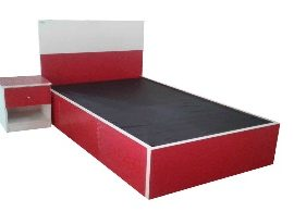 Red_white children bed
